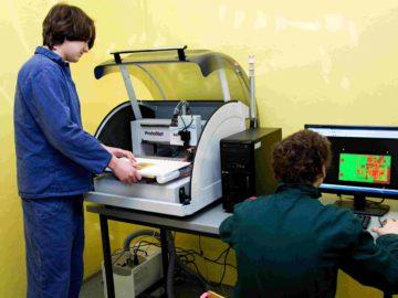 Výroba plošných spojů pomocí frézy